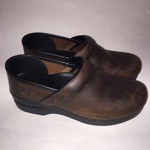 Dansko brown clog mules nursing shoes 39
